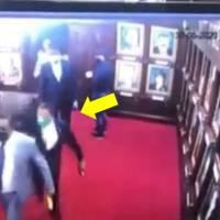 VIDEO: Diputado Levis Suriel agrede por la espalda a su colega Aridio Vásquez y éste le responde con el puño