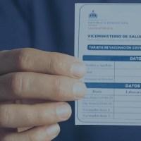 Bancos pedirán tarjeta de vacuna a clientes; amplían horario