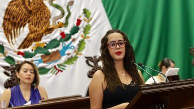 Propone Tere Mora derogar cobro del derecho fiscal por certificación y por cotejo de página