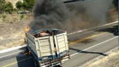 Bloquean carretera en Tierra Caliente