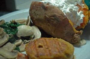 Sweet Potato+Salmon+mushrooms (I'm so different)