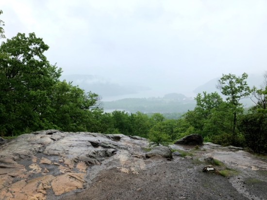 hiking bear mountain new york state