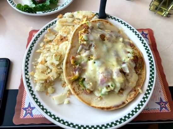 Americana Diner Shrewsbury NJ pitza