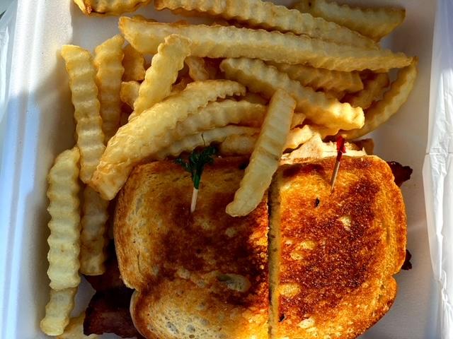 Henry's Cafe (Tehachapi) sandwich