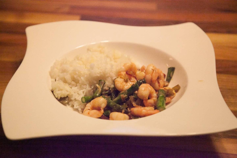Delicious & Easy Prawn & Asparagus Stir Fry in 15 Minutes