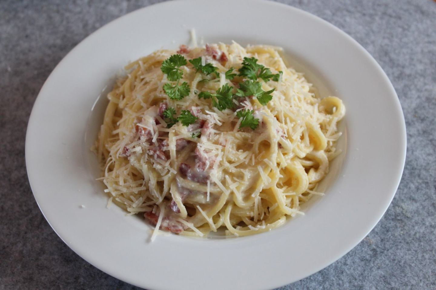 Fresh and Creamy Carbonara Sauce Recipe