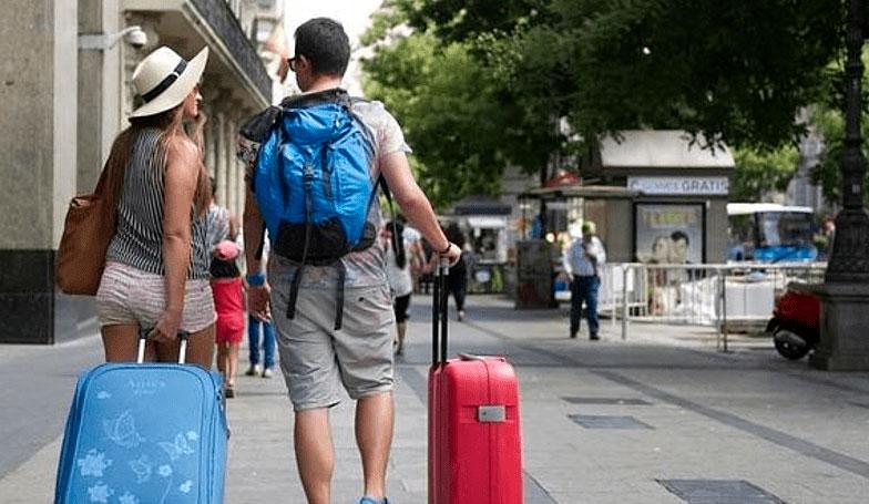Cerca de 6 millones de turistas visitan Madrid de enero a ...