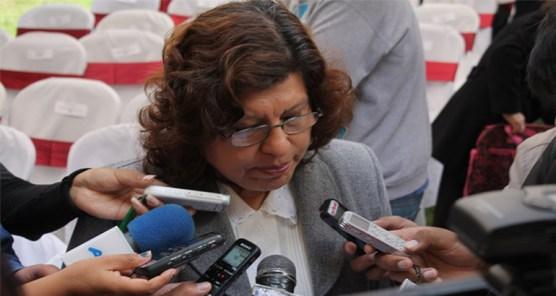 Vocal, Dunia Sandoval en contacto con la prensa.