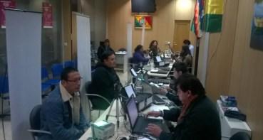 Afluencia de compatriotas bolivianos al empadronamiento.