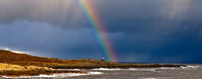 Regnbue over Runde. Foto: Knut Werner Alsén