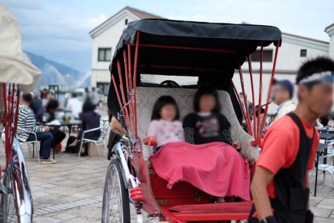 大津ジャズフェスティバル|人力車に乗る人