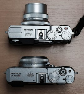 X30 (top) and X100S (bottom) set to Aperture Priority mode