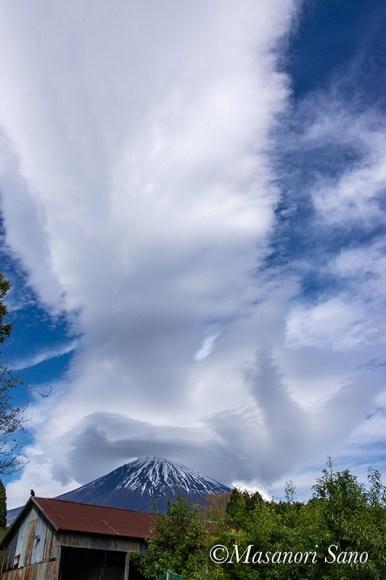 雨上がりの雲