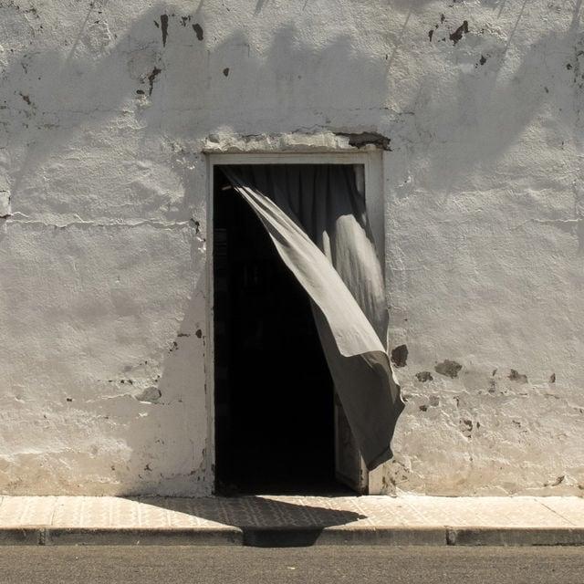 """""""Entró alguien"""" por Rodrigo Roher, con Fuji X30."""