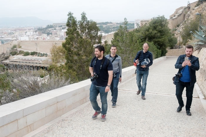 @Cayetano Miralles @Rojiss @layiso y @lorand sufriendo las rampas más duras del acceso al castillo de Santa Bárbara.
