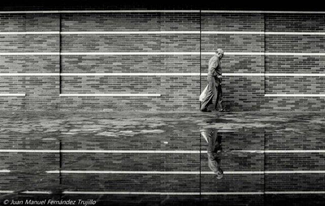 """""""Caminante"""" por Juan Manuel Fernández, con Fuji X-E1."""