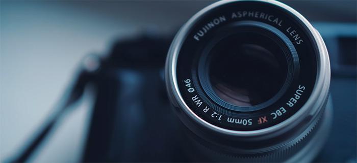 Fotograma de la vídeo reseña del Fujinon XF 50mm F2 R WR.