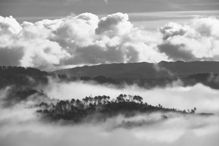 """Islote entre la niebla"" por Carlos Rodríguez, con Fuji X-T2 + XF50-140mmF2.8 R LM OIS WR."