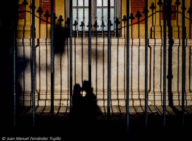 """Sevilla tiene un color especial"" por Juan Manuel Fernández Trujillo. Con Fuji X-E1 + Canon FD 28mm f/2.8."