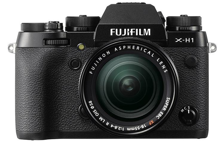 Burdo fotomontaje de la supuesta Fuji X-H1.
