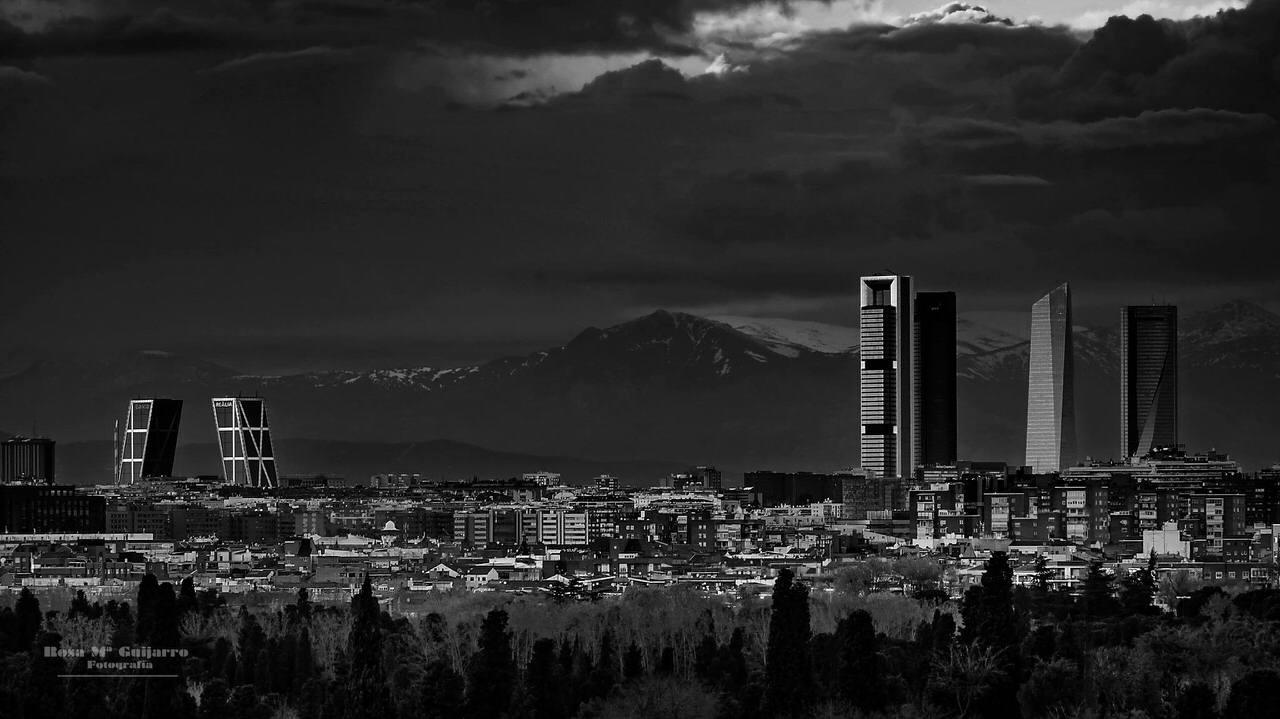 """""""Skyline madrileño"""" por Rosa María Guijarro. Fujifilm X-E1."""