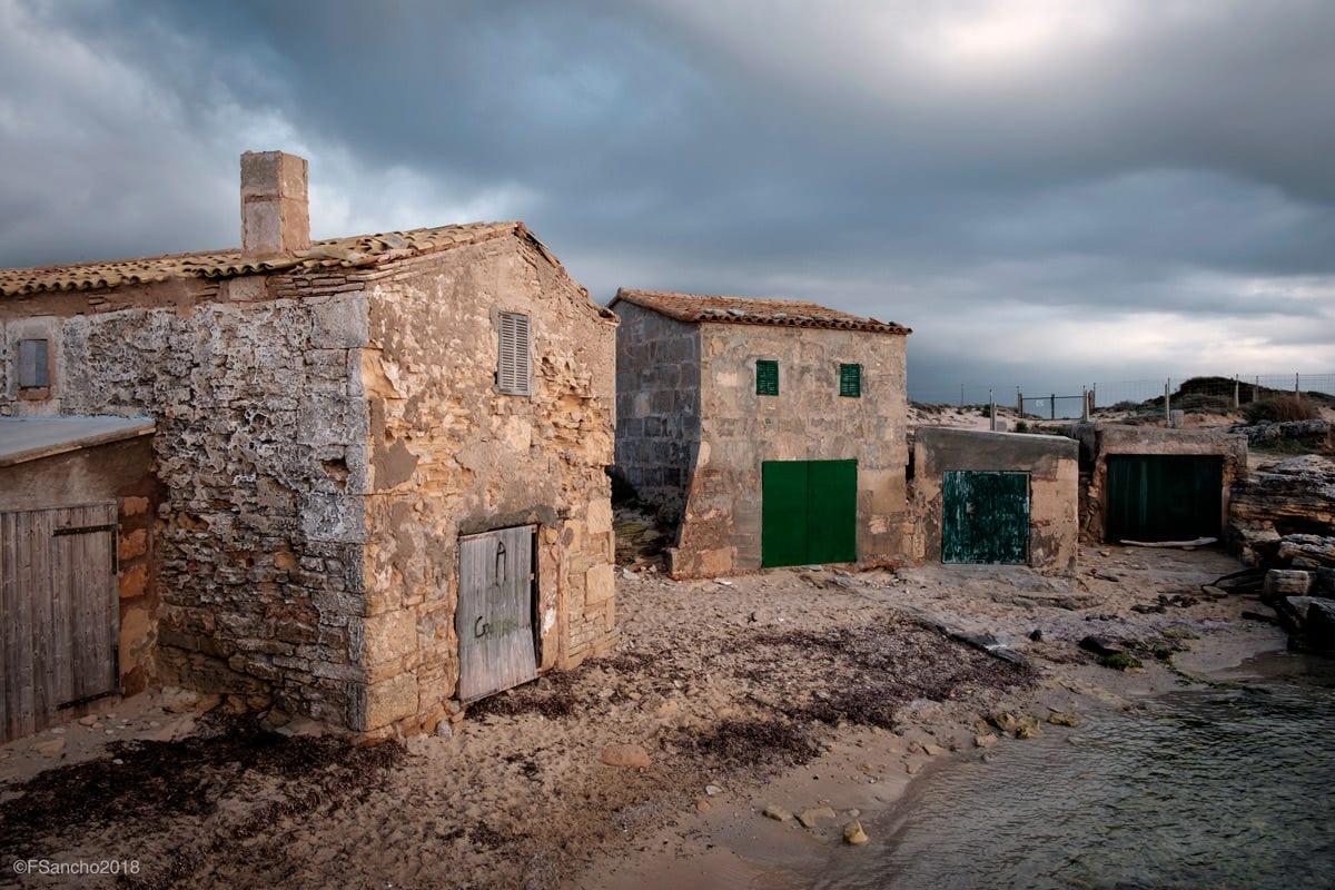 """""""Casa de pescadores en Mallorca"""" por Fernando Sancho. Fujifilm X-T1."""