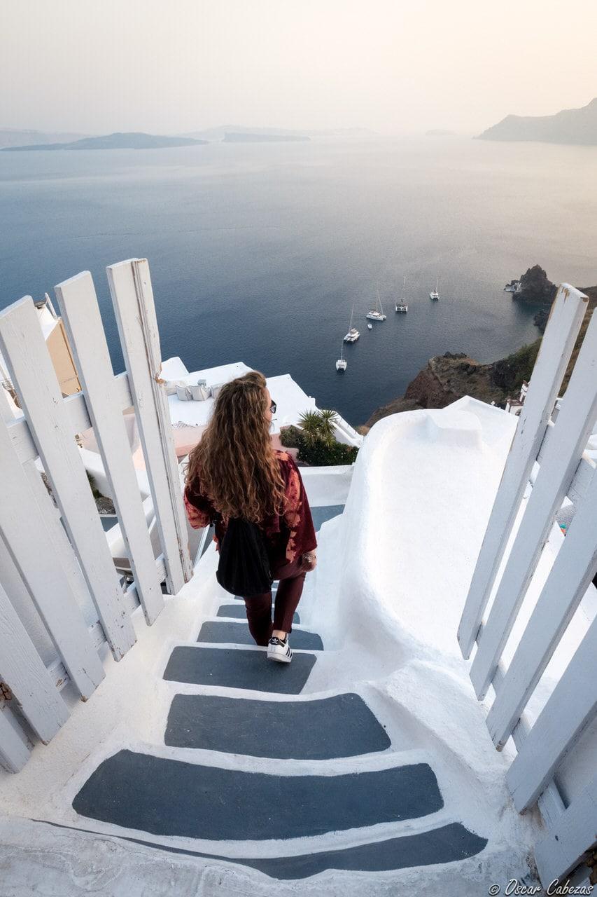 """""""Descenso hacia el mar - Santorini"""" por @unadeviaje. Fujifilm X-T2 + Fujinon XF 10-24mm f/4 R OIS."""