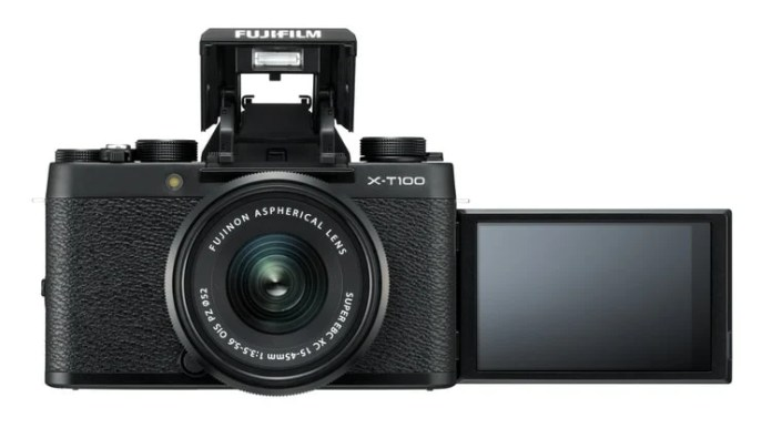 X-T100 pantallla selfie y flash.