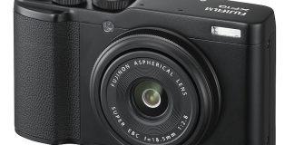 Fujifilm XF10 negra.