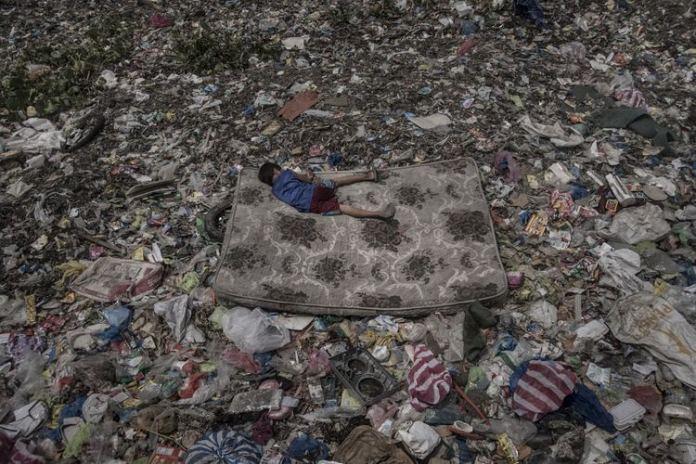 """Tercer premio World Press Photo 2019 en la categoría """"medio ambiente"""" para Mário Cruz. Foto tomada con la Fuji X-Pro2."""