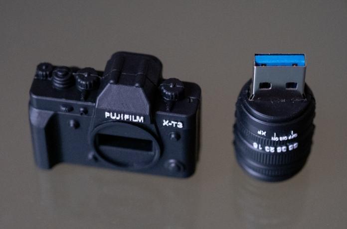 Pendrive USB 3.0 Fujifilm X-T3.