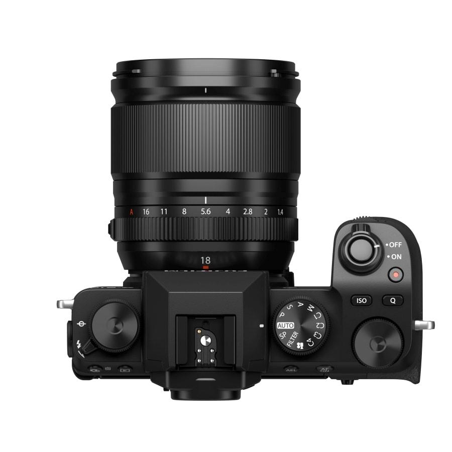Fuji X-S10 + Fujinon 18mm F1.4.