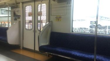 電車内でのキャリーバッグの置き方のポイント・注意点を解説!
