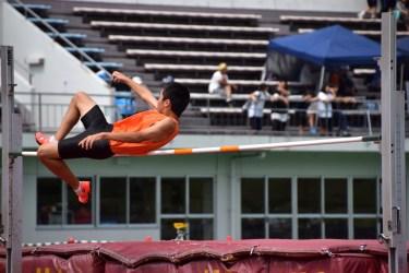走り高跳びをベリーロールで飛ぶための練習法とコツを教えます