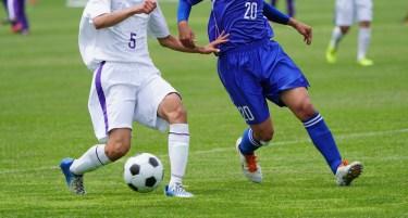 サッカーで無回転シュートを蹴るときのコツとメリットを解説