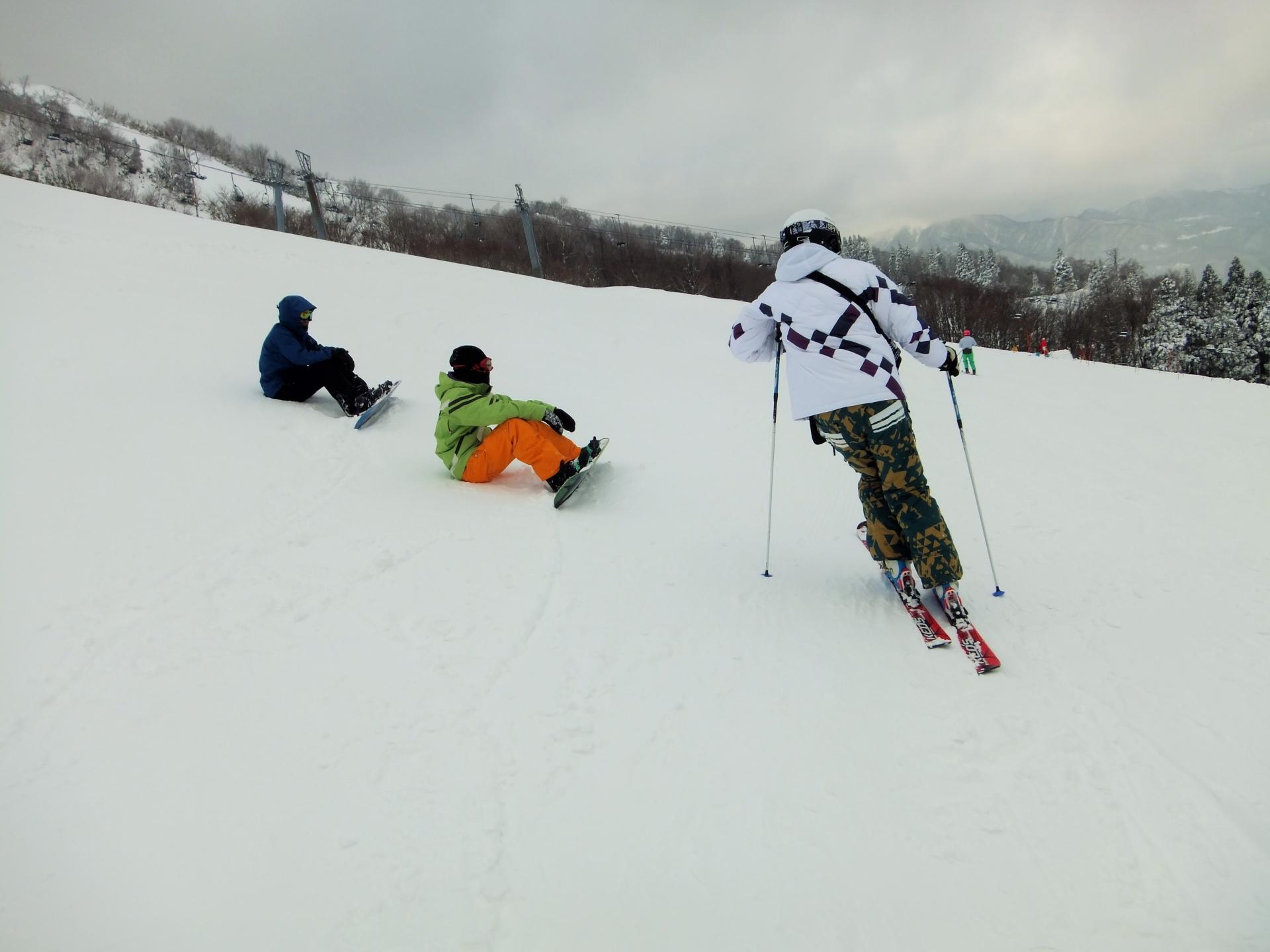 スキーの面倒なワックスがけにはスプレー!その使い方を解説