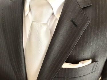 ポケットチーフは結婚式に必ず必要ではないが購入する価値はある