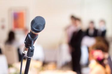 友人スピーチの時のお辞儀の回数は多い!タイミングとやり方