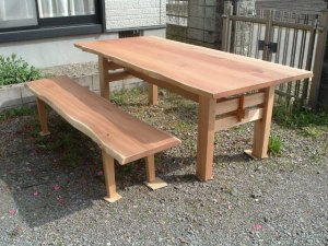 無垢ダイニングテーブルとベンチ