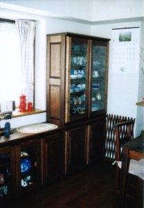 リビングボードと食器棚