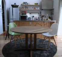 胡桃の無垢丸テーブル120cm直径