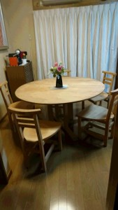 無垢手作り丸テーブル