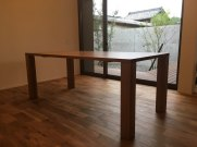 Yチェアーに合うダイニングテーブル