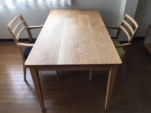 シンプルテーブル