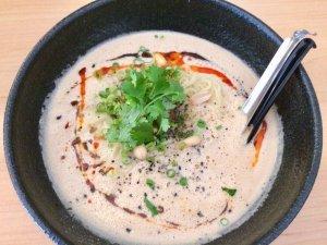 胡麻担担麺