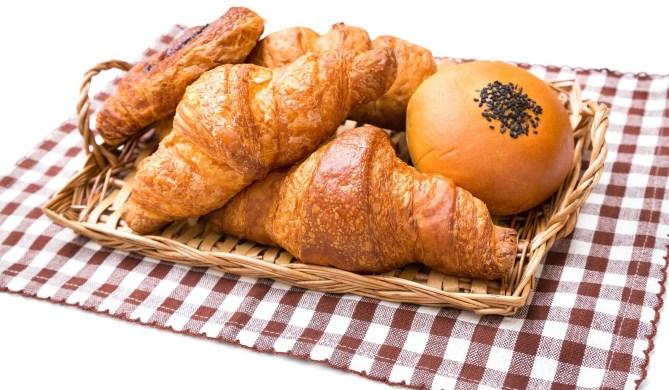 パンのカロリーと糖質は高い