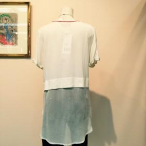 507 白Tシャツ 後ろ