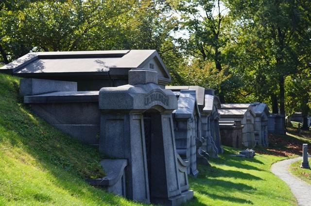 Green-Wood Cemetery Path