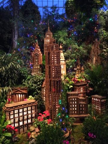 Holiday Train Show Empire State Building
