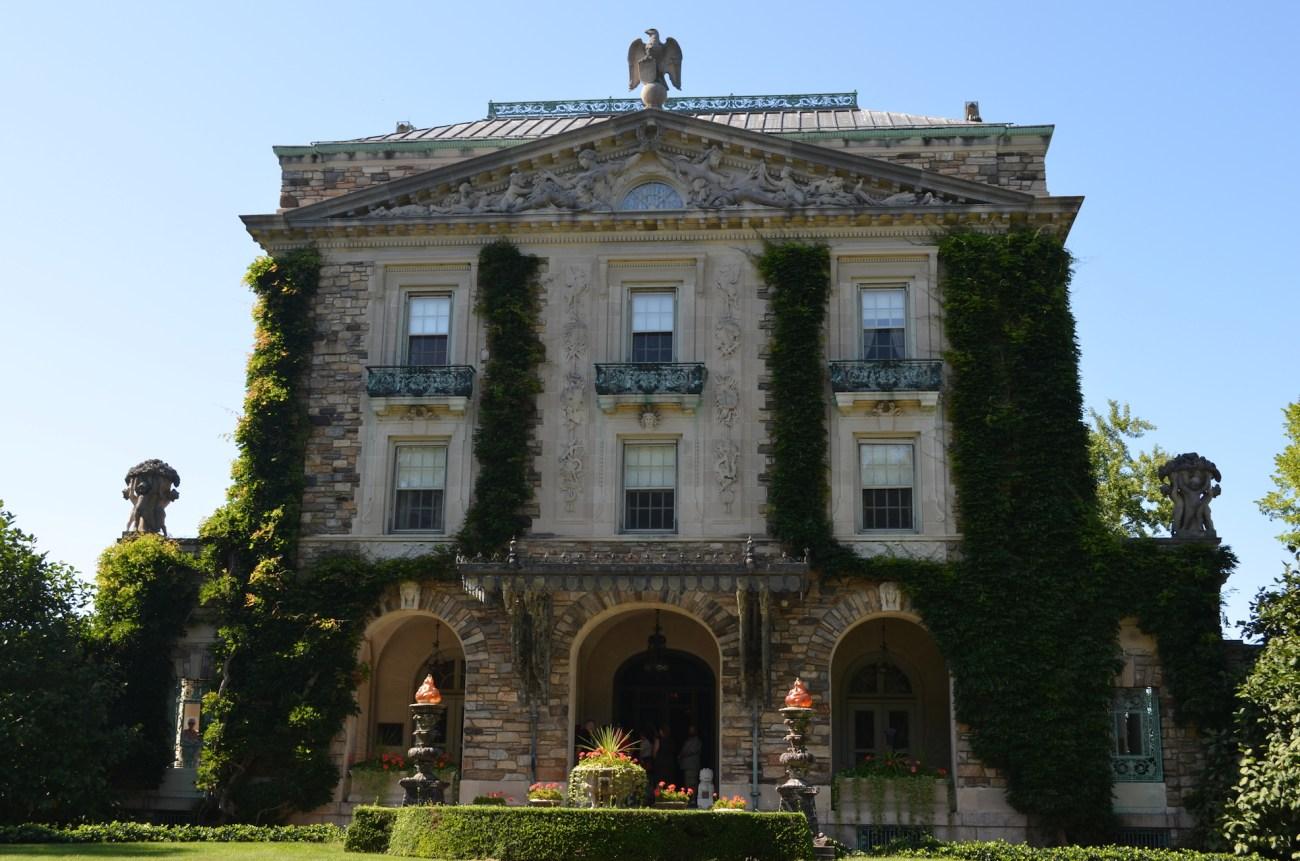 Rockefeller Estate Front of House